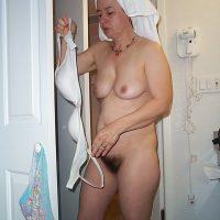 Annie maman très chaude et poilue