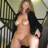 Baise moi dans la cage d'escalier